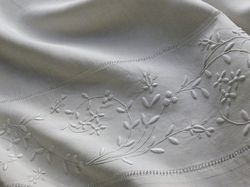 luxury embroidered bed linens