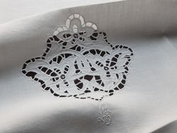 fine French linens cutwork embroidered napkins