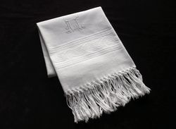 fine white damask guest towels monogram AL