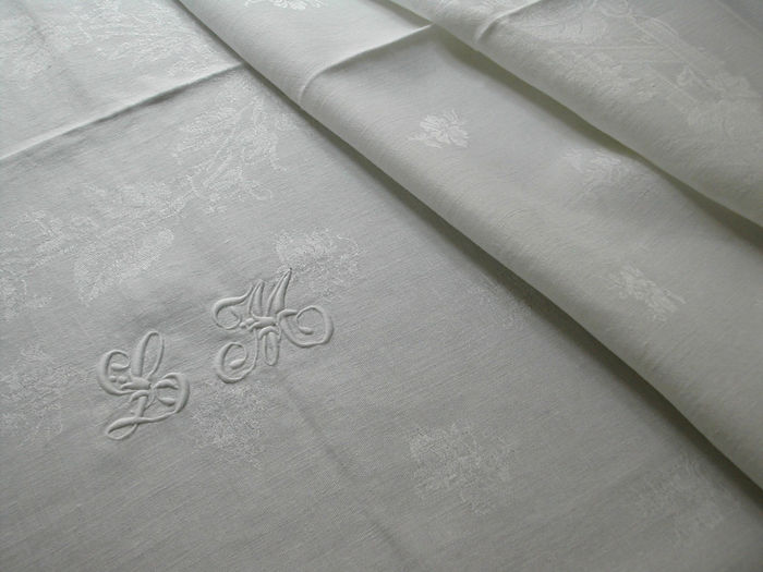 Luxury damask formal tablecloth and napkins, monogram LM