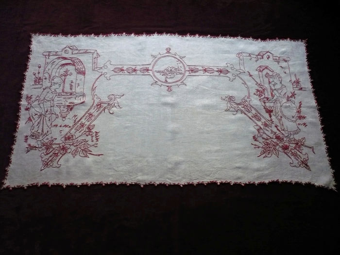 Vintage Alsatian table runner