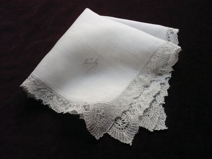 Small vintage lace hanky