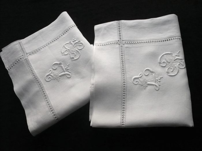 french linen pair of pillow sham, monogram: VB