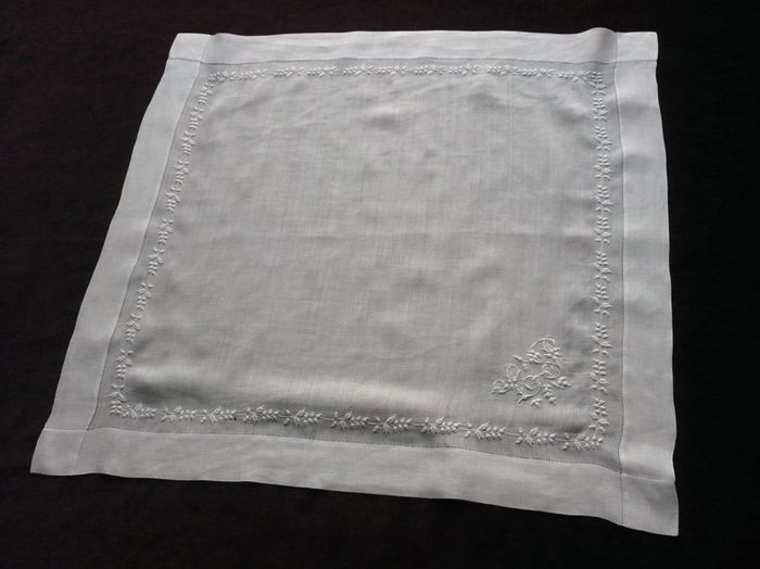 Tulle embroidered handkerchief, 19th century