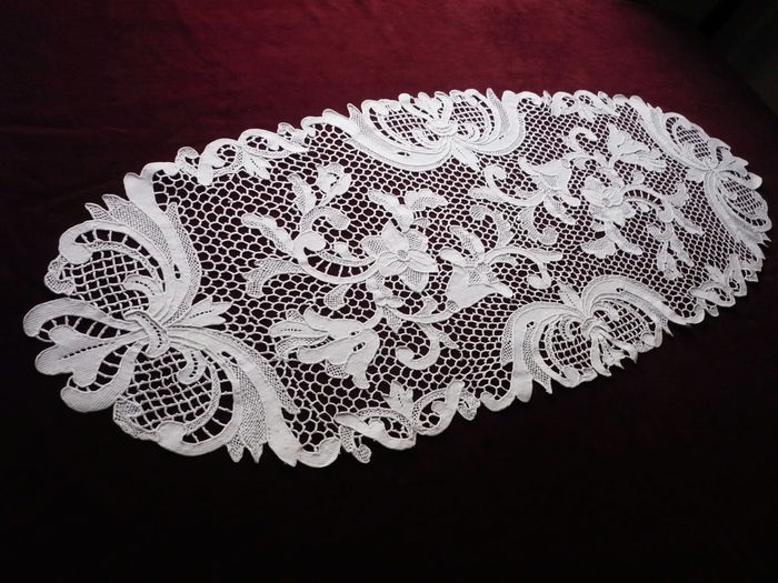 Milanese lace table runner