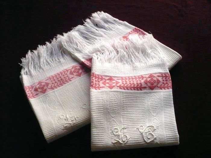 3 guest hand towels, monogram LC