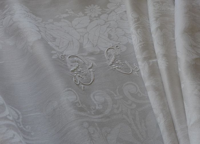 Antique linen damask tablecloth and 11 napkins, monogram DC