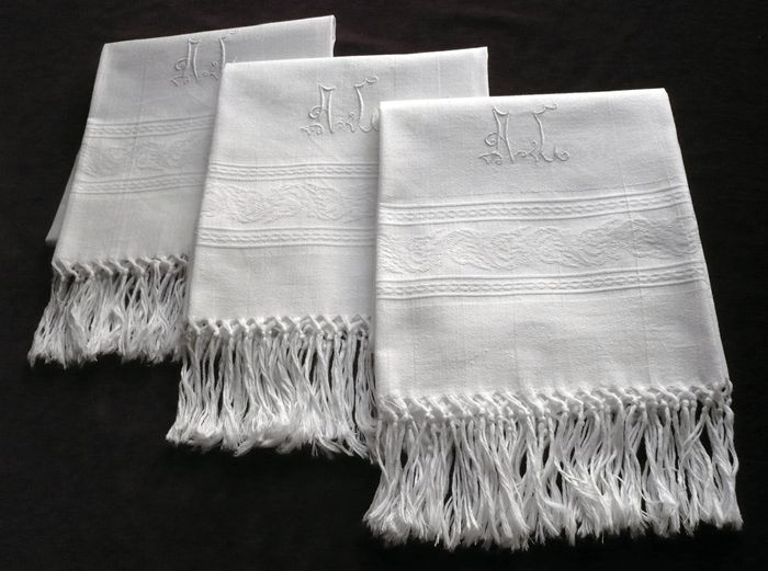 vintage cotton fringed and monogrammed guest hand towels