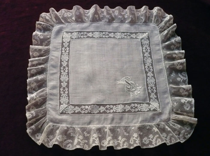 antique lace and linen handkerchief monogram JP