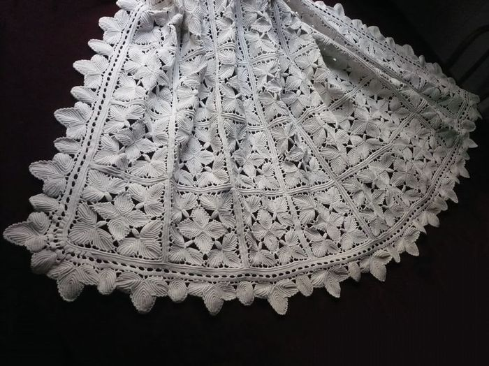 vintage crocheted lace coverlet