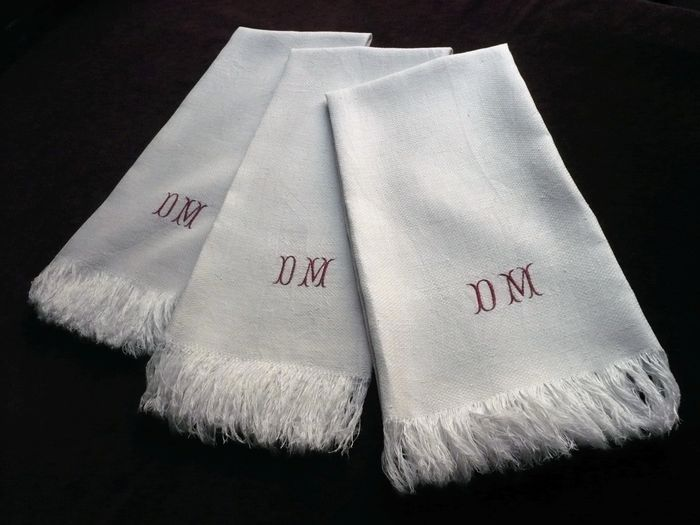 Damask guest hand towels monogram DM