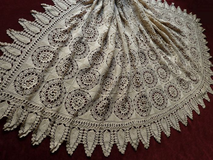 hand crocheted lace linen coverlet